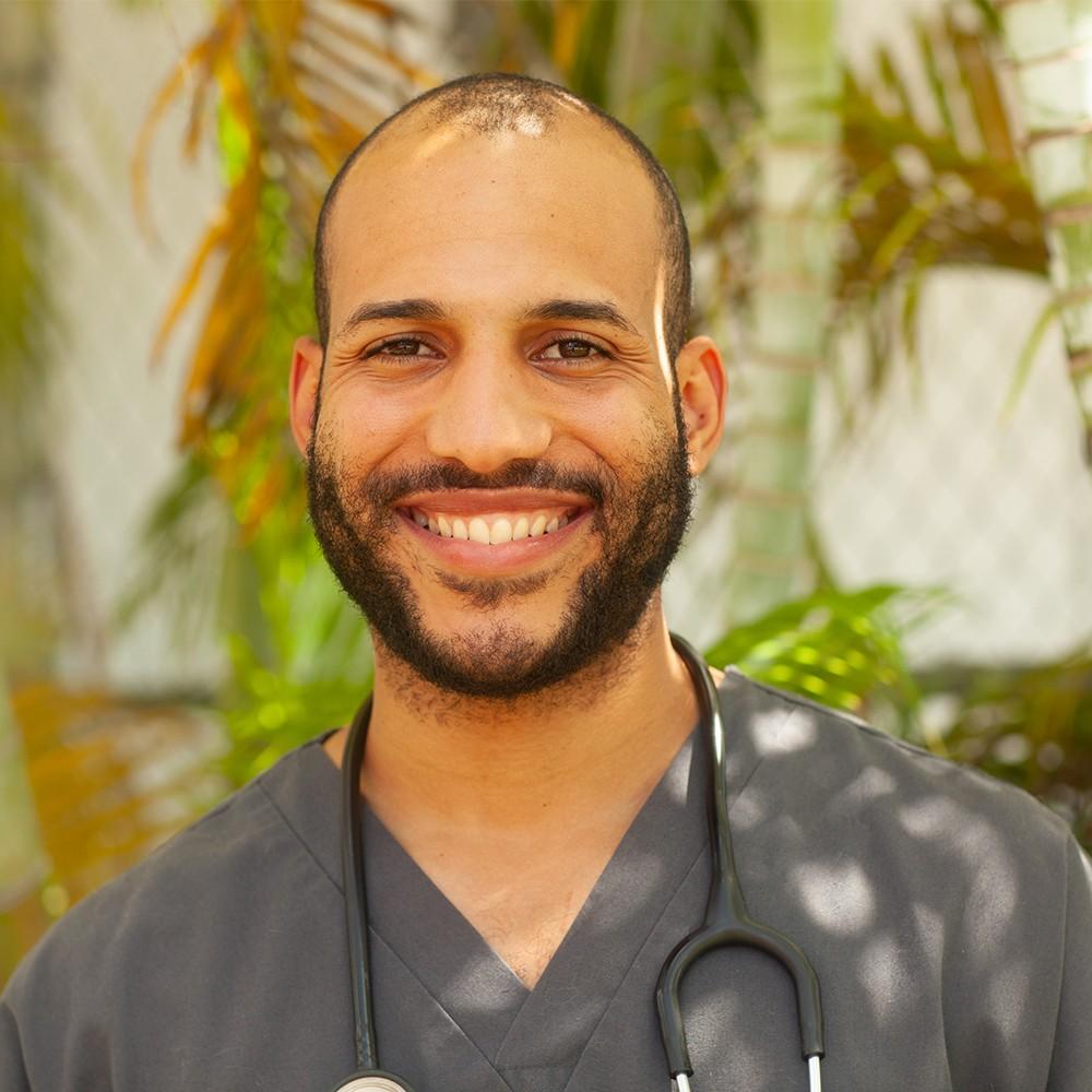https://www.dadelandanimalhospital.com/wp-content/uploads/sites/7/2020/09/Dr.-Josean-Davila.jpg
